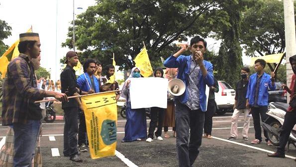 Chaidir Alif saat melakukan demonstrasi | Foto: dok. Pribadi