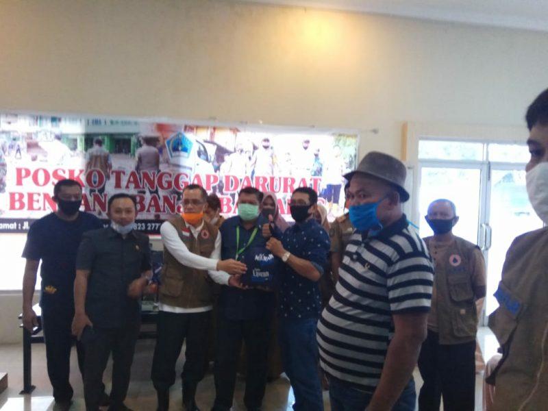 Azikin Solthan Bantu Pemulihan Pasca Banjir Bandang di Bantaeng, Senin (15/6).
