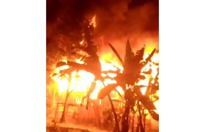 Kebakaran di Dusun Sawere Desa Bontoraja Kecamatan Gantarang, Jumat (17/7/2020) sekira pukul 00.04 tengah malam.