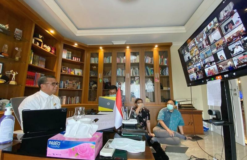 Gubernur Sulawesi Selatan, Nurdin Abdullah Vidcom dengan kepala daerah [Humas Pemprov]