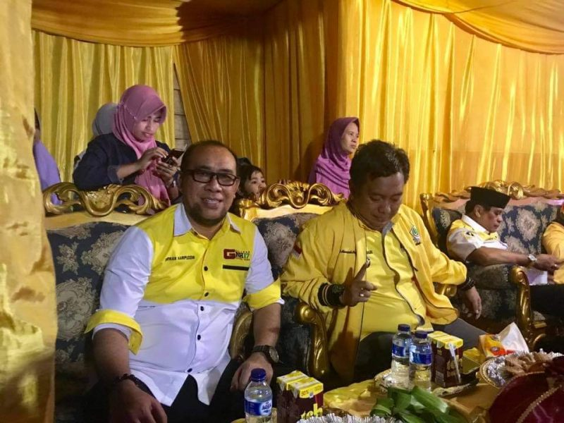 Nirwan Arifuddin bersama ketua Golkar Bulukumba, Andi Hamzah Pangki
