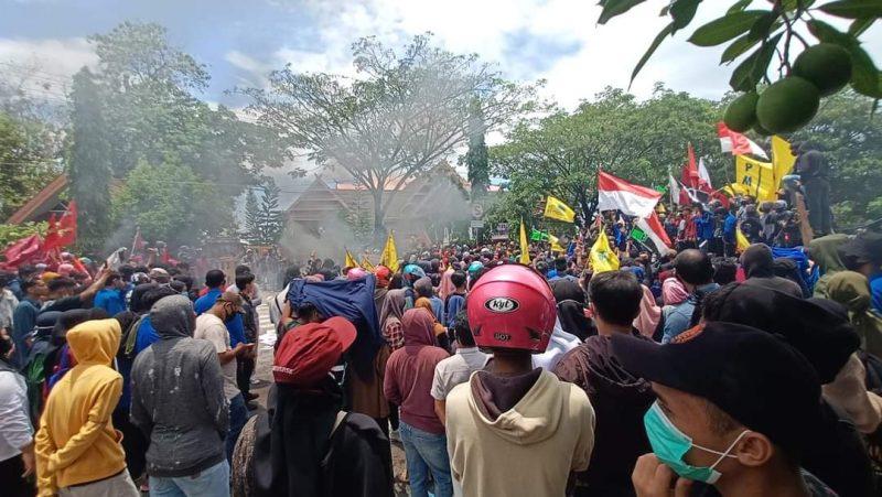 Aksi Unjuk Rasa penolakan UU Omnibus Law Cipta Kerja di Bulukumba, Kamis (8/10/2020).