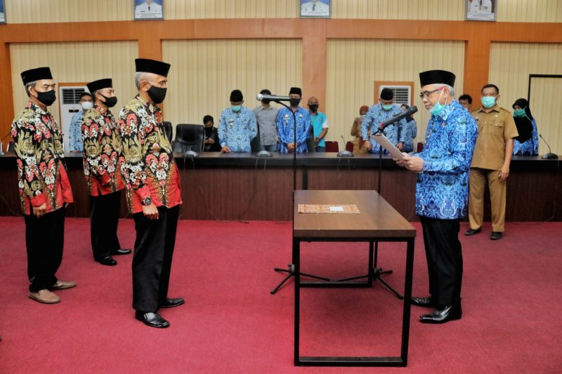 Wabup Bantaeng, H Sahabuddin melantik pengurus Baznas Bantaeng