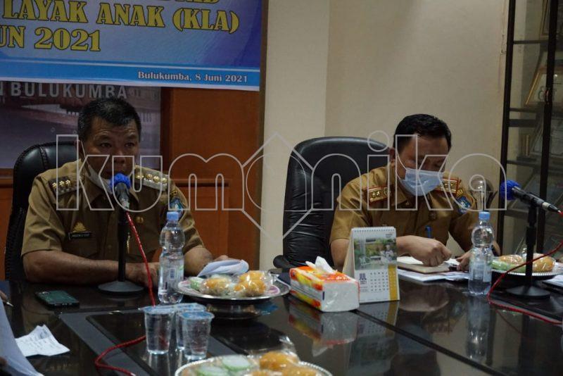 Bupati Bulukumba, Muchtar Ali Yusuf bersama Kepala Bappeda Bulukumba, Ferryawan Z Fahmi.