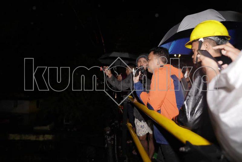 Bupati Bantaeng, dr Ilham Azikin memantau langsung sejumlah wilayah yang berdampak banjir, Rabu, 7/7/2021.