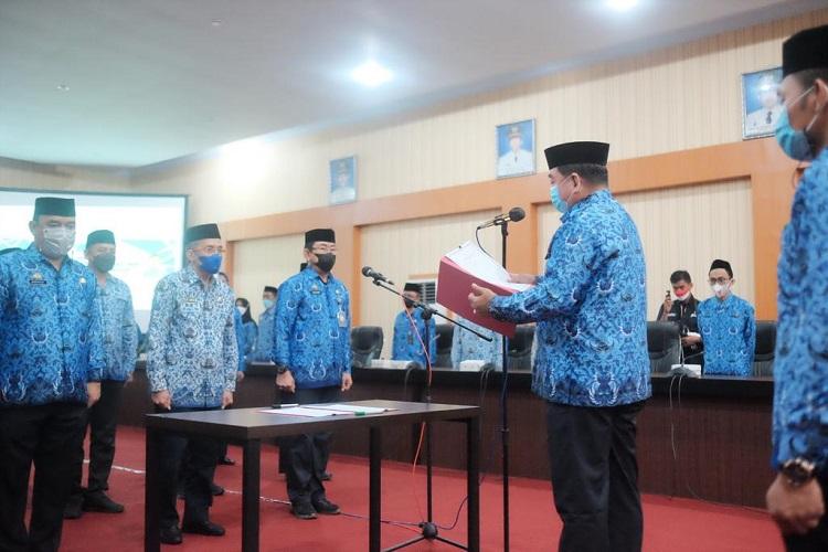 Pelantikan Dewan Pengurus KORPRI Kabupaten Bantaeng, masa bakti 2021-2025, di Ruang Pola Kantor Bupati Bantaeng, Kecamatan Bantaeng, Kamis (19/8/2021). Foto: Dokumentasi Istimewa