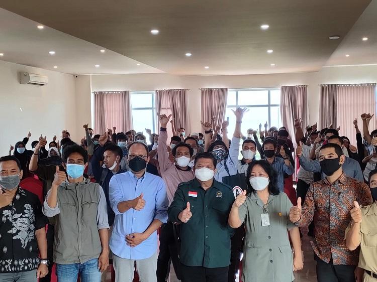 Dukung Petani Milenial Bantaeng, DPR-RI dan Kementan Beri Materi Hilirisasi Kopi. Foto: Dokumentasi Istimewa