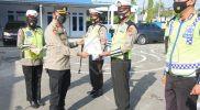 Hut Sat Lantas Ke-66, Kapolres Bulukumba Beri Penghargaan kepada Personel Berprestasi