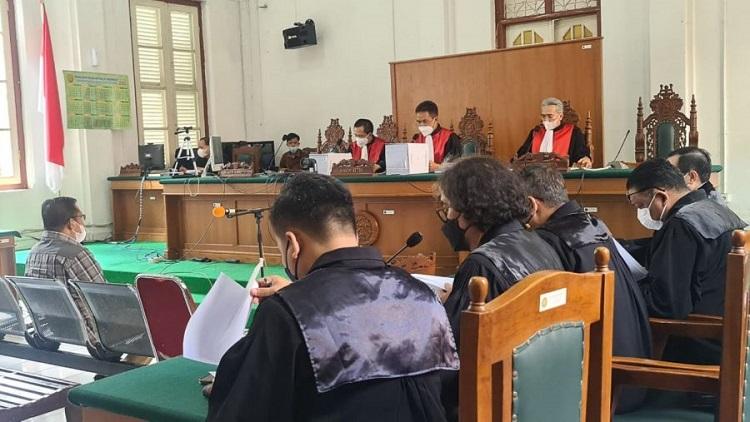 Suasana persidangan Gubernur Sulsel nonaktif, Nurdian Abdullah, di Ruang Sidang Prof HM Harifin Tumpa, Pengadilan Negari Makassar, Kamis (16/09/2021) lalu. Foto: Dokumentasi Istimewa