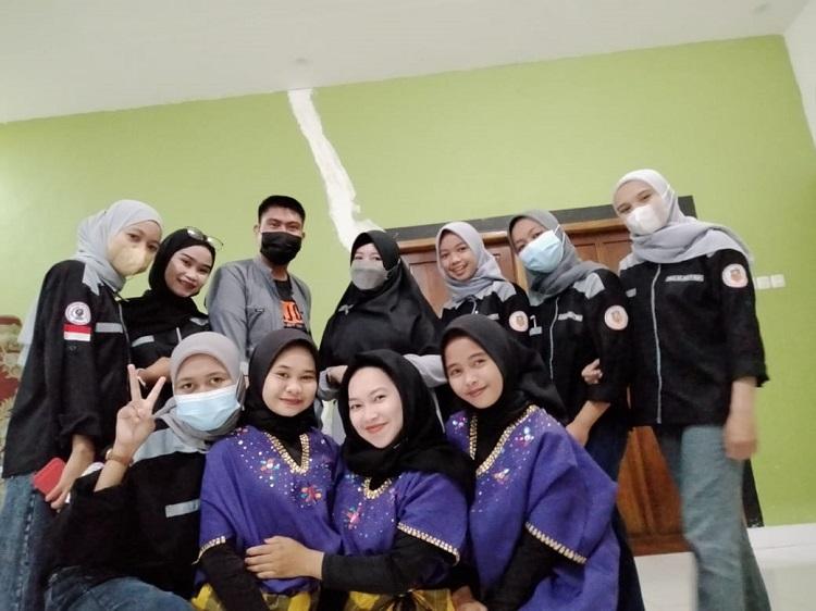 Foto bersama nomine Duta Aktabe dalam Dies Natali ke-XIII. Foto: Dokumentasi Istimewa