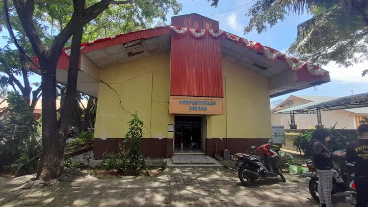Kondisi bangunan Pepustakaan Daerah Bulukumba. Foto: ADI